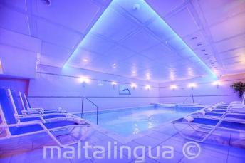 Spa z basenem w Alexandra Hotel, St Julians