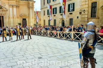 Historyczne rekonstrukcje walk na festivalu Medieval w Mdinie