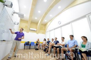 Klimatyzowana sala w szkole językowej na Malcie