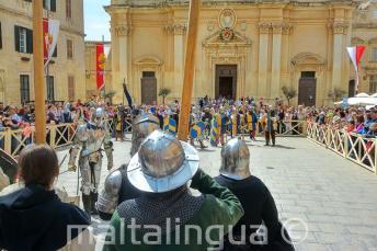 Rekonstrukcja bitwy w średniowiecznej Mdinie