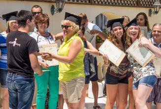 Pod koniec kursu języka angielskiego na Malcie kursanci otrzymują certyfikat.