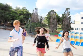 Sportowe zajęcia w szkole językowej na Malcie
